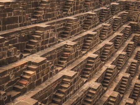 chand: El Chand Baori Stepwell en Abhaneri, Rajasthan, India