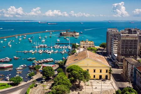 すべて聖人湾 Baia de Todos os サルバドール、バイーア州、ブラジルのサントスのビュー。 写真素材