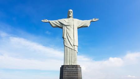 La estatua del Cristo Redentor en de Janeiro, Brasil. Foto de archivo - 44552959