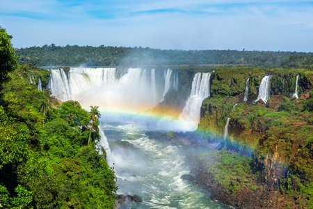 south america: Cataratas del Iguaz�, en la frontera entre Argentina, Brasil y Paraguay. Foto de archivo