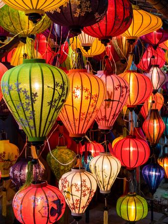 ホイアンで伝統的なオイルランプ、ベトナム 写真素材