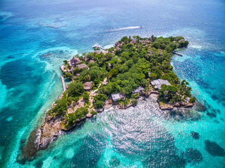 Aerial View of Islas del Rosario Off the Coast of Cartagena de Indias, Colombia 写真素材 - 115812768