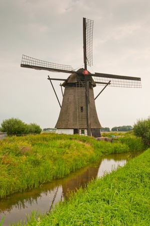 anno: Windmill De oude doorn (anno 1700) in the Dutch village of Almkerk Stock Photo