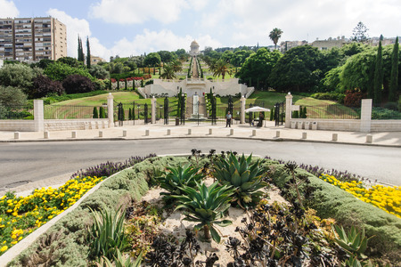 baha: HAIFA, ISRAEL - JULY 21, 2014  The UNESCO square and the Bahai gardens and temple, on the slopes of the Carmel Mountain, in Haifa, Israel  These gardens are on UNESCO heritage sites list Editorial
