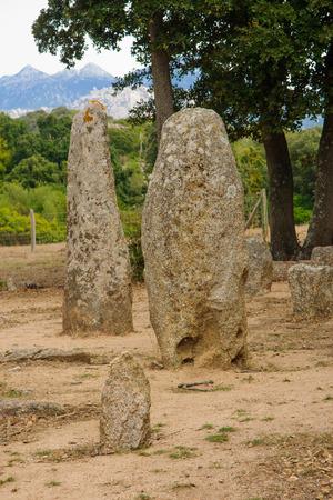 phallic: La alineaci�n de menhires Renaggiu, en el sitio megal�tico de Cauria, �rea Sartene, C�rcega, Francia