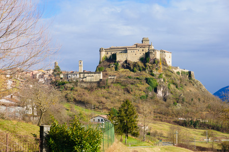 apennines: The village Bardi and its castle, Emilia-Romagna, Italy Editorial