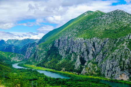 View of the Cetina River, near Omis, in Dalmatia, Croatia 版權商用圖片