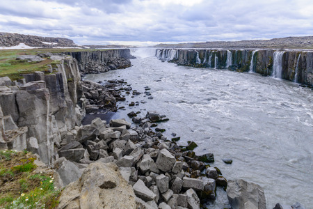 north cascade national park: View of the Selfoss waterfall, in Vatnajokull National Park, Northeast Iceland