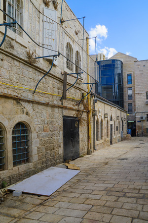 jewish houses: An alley in the historic Nachalat Shiva district, Jerusalem, Israel Stock Photo