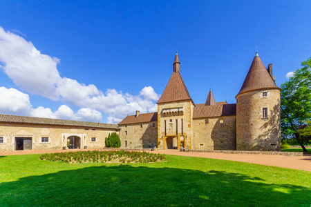 Corcelles-en-Beaujolais, France - May 06, 2019: View of the chateau de Corcelles, in Beaujolais, Rhone department, France Imagens - 124912857