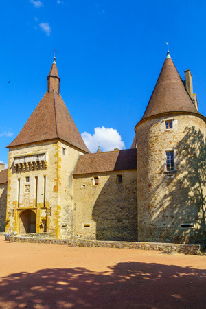 Corcelles-en-Beaujolais, France - May 06, 2019: View of the chateau de Corcelles, in Beaujolais, Rhone department, France Imagens - 124912896