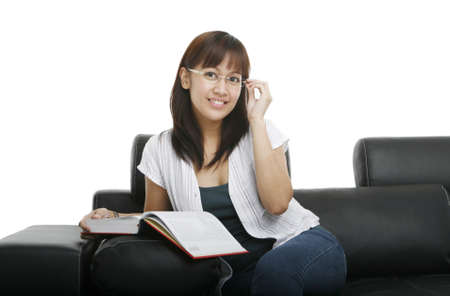 teener: Young lady reading a book