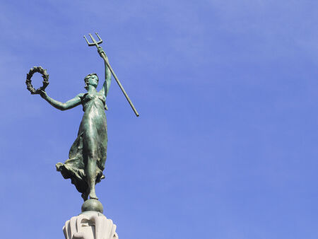 dewey: Goddess of Victory statue at Union Square in San Francisco, California