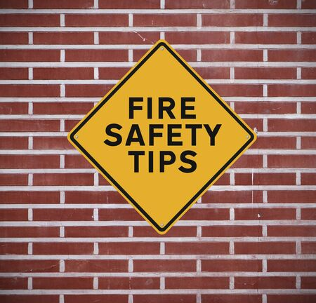 A sign indicating fire safety tips