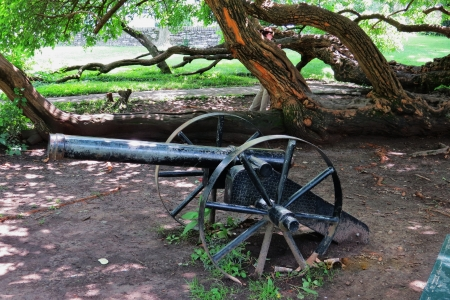 reb: An antique cannon in fort harrodsburg park in Kentucky