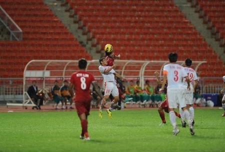 Dao Van Phong of Vietnam  w  in action during the AFF Suzuki Cup between Vietnam and Myanmar at Rajamangala stadium on Nov24, 2012 in Bangkok,Thailand