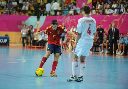 BANGKOK, THAILAND - NOV 14 Lin of Spain  r  in action during the FIFA Futsal World Cup Quarterfinal round between Spain and Russia at Nimibutr Stadium on Nov 14,2012 in Bangkok, Thailand  新聞圖片