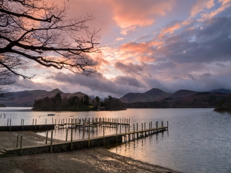 Sunset on Derwentwater at the landing stage near to Keswick Stock Photo - 17061794