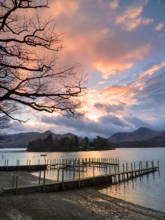 Sunset on Derwentwater at the landing stage near to Keswick Stock Photo - 17061797