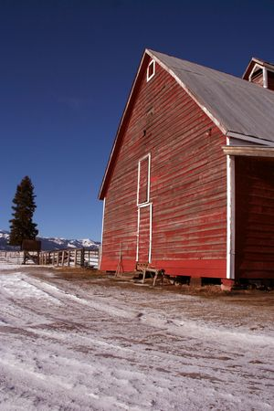 Rustic red Idaho barn in early winter Stock Photo - 830992