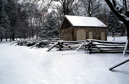meeting place: This early American stable which once housed Washingtons horse, and served as a meeting place for the colonial officers is located in Valley Forge, State Park, Pennsylvania Stock Photo