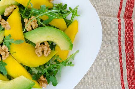 salad plate: Insalata mista con mango, avocado, rucola e noci