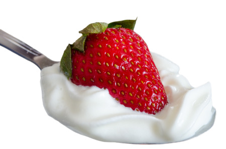 苺クリームのデザート スプーンと