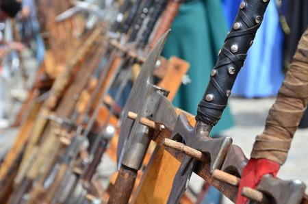 medieval: Símbolo de la Guerra. Armas medievales de combate cuerpo a cuerpo. Foto de archivo