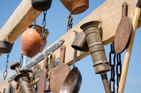 cuchillo de cocina: Conjunto de antiguos utensilios - equipo de la vendimia de la abuela