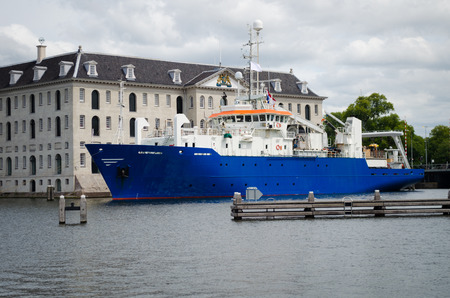 Research  Survey vessel in the port of Amsterdam, Netherlands Редакционное