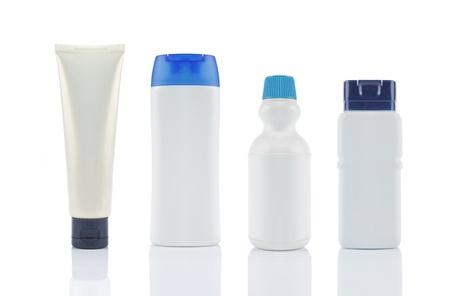 weiße Produktverpacken. hintrgrund isoliert weiß Standard-Bild
