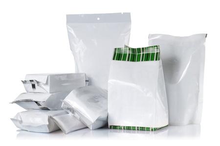 envases plasticos: Grupo de paquete de producto. aislados sobre fondo blanco Foto de archivo