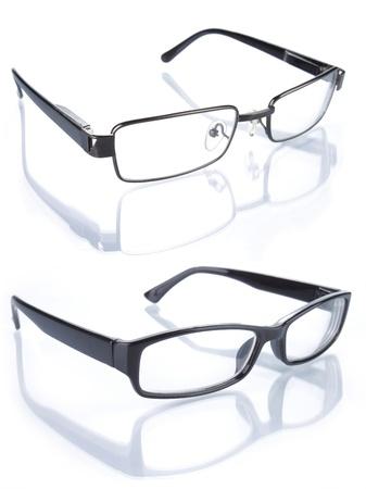 Reihe von Gläsern isoliert auf weißem Hintergrund Standard-Bild - 9899699