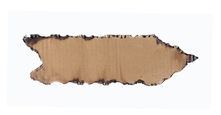 Pfeil aus Pappe isoliert auf weiß