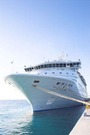 ferryboat: Cruise Ship