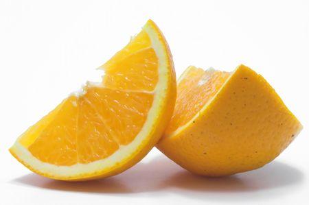 新鮮でジューシー オレンジを断面します。