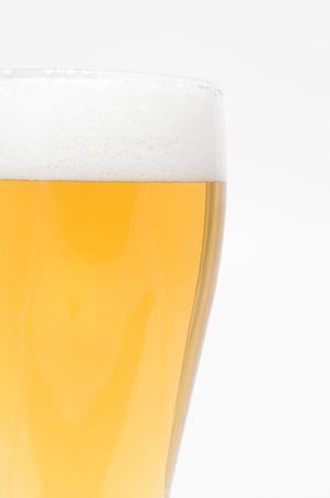 pilsner: Pilsner un vaso de cerveza helada.