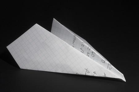 papierflugzeug: Ein Papier aus dem Flugzeug aus einem Hausaufgaben Papier.