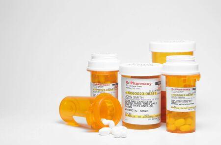 recetas medicas: Prescripci�n de medicamentos - Etiqueta es ficticia y fue creada por el fot�grafo  Foto de archivo