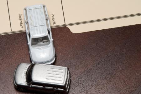 車で個人傷害訴訟事件。