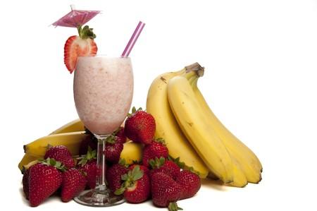 licuado de platano: Un delicioso batido de banano de fresa, naranja o daiquiri