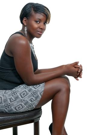 Une tr�s belle femme noire afro-am�ricaine avec un grand sourire Banque d'images - 8666932