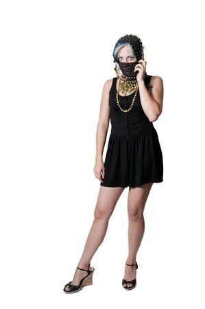 burka: Una bella donna araba con un coperchio della testa