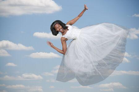 웨딩 드레스에 블랙 아프리카 AMERICAL 여성 신부 스톡 콘텐츠