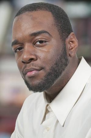 minor�a: Un atractivo hombre apuesto africano negro americano Foto de archivo