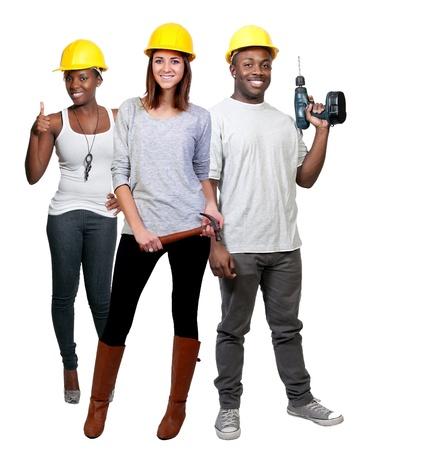 Een zwarte man en Afro-Amerikaanse vrouw en de blanke vrouw bouwvakker een baan website