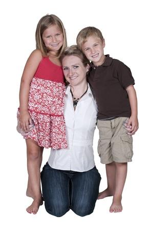 未婚の母と彼女の息子と娘