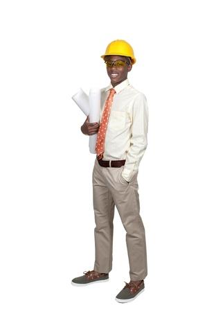 the job site: Nero African American adolescente Construction Worker uomo su un sito di lavoro