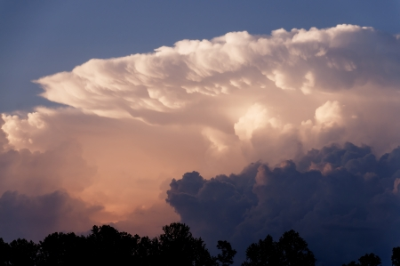 convective: Atmospheric condition known as an anvil cloud