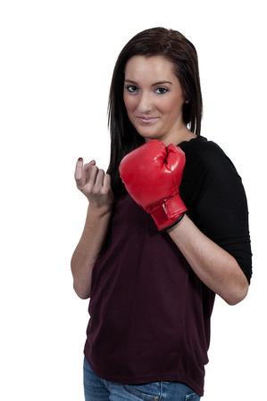 heartbreaker: Mujer hermosa en un guante de boxeo frente a un coraz�n roto - heartbreaker